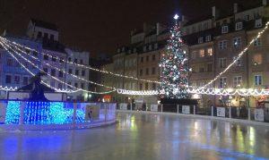 Der Marktplatz in Warschau weihnachtlich erleuchtet im Dezember 2014. © Paula Kisse