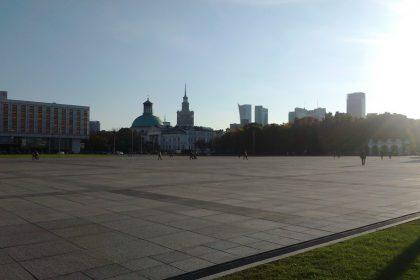 Der Platz Pilsudskiego in Warschau mit dem Grabmahl des unbekannten Soldaten und dem Kulturpalast im Hintergrund. © Paula Kisse