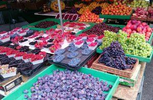 Beim Wochenmarkt in der Krakauer Altstadt. © Tim Döke