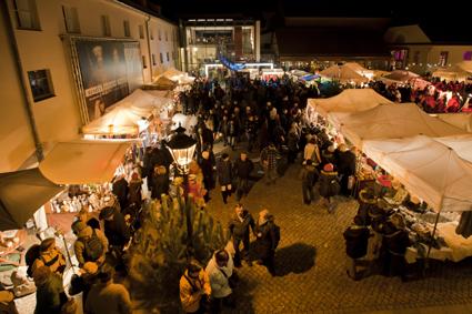Polnischer Weihnachtsmakt mit zahlreichen Leckereien in Potsdam. © Privat