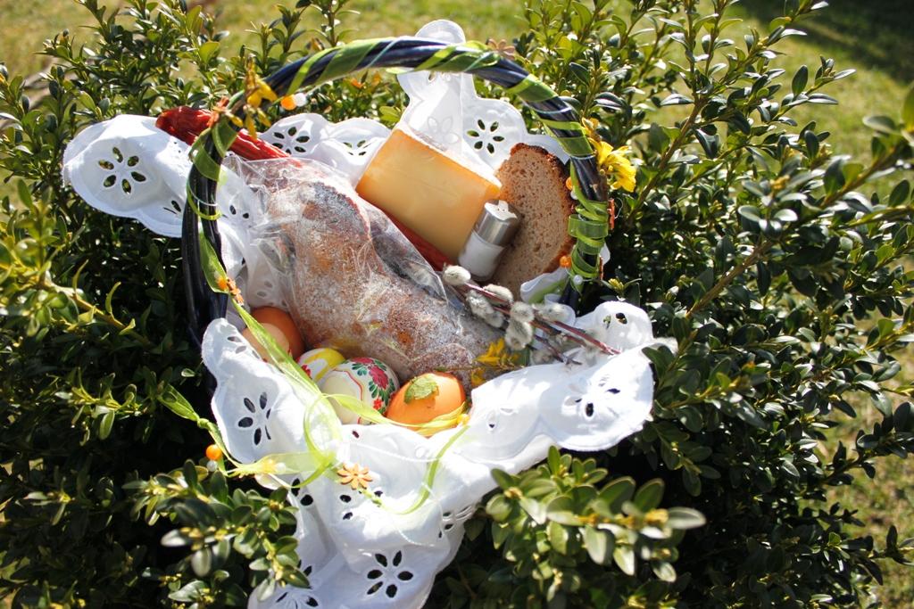 Der polnische Osterkorb ist reich gefüllt mit guten Gaben. © Natalie Junghof