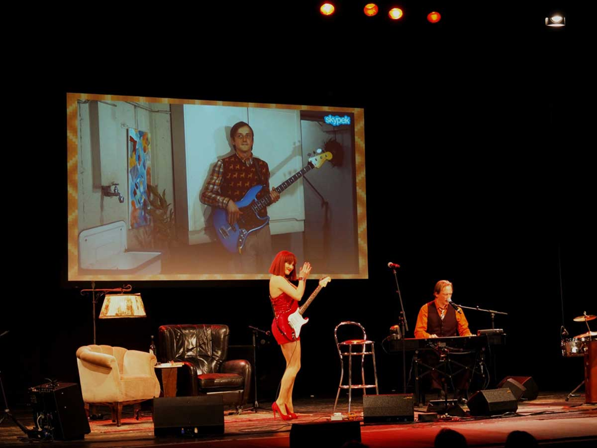 Der Familie Popolski rockt die Bühne. © Natalie Junghof