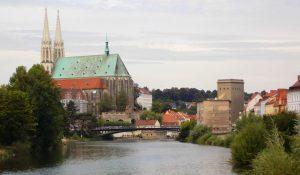 """Die Altstadtbrücke verbindet Görlitz mit dem polnischen Stadt Zgorzelec - auch Antje möchte """"Brücken über Grenzen hinweg bauen"""". © Katarzyna Patrzałek"""