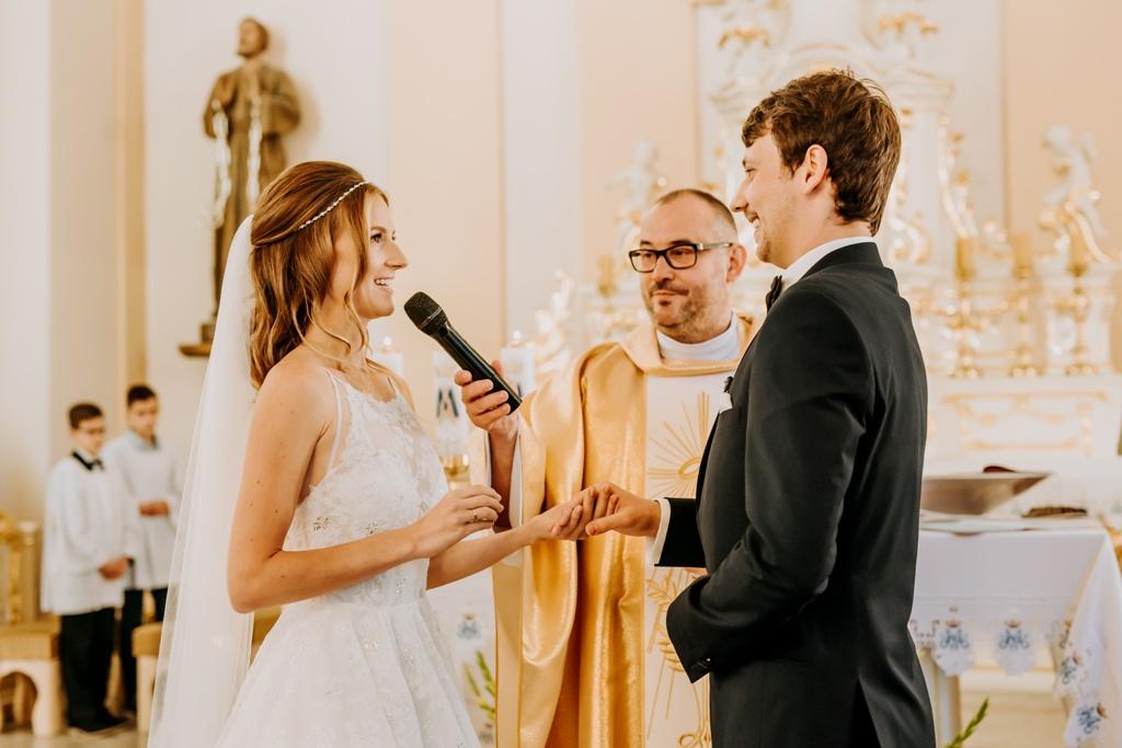 Wesele Polnische Hochzeit Und Ihre Traditionen Grenzenlos By Polen Pl Deutsch Polnische Jugendthemen